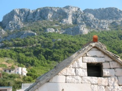 Riviera di makarska altre localit for Case di pietra del paese della collina del texas