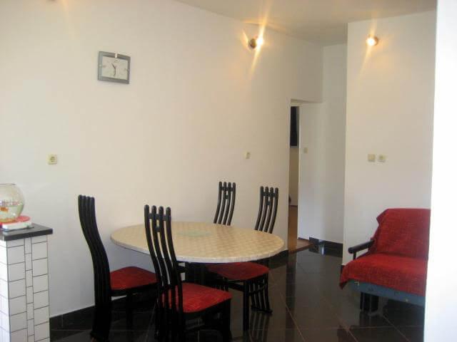 Appartamento vicino al mare a sali 250 for Appartamento al mare design