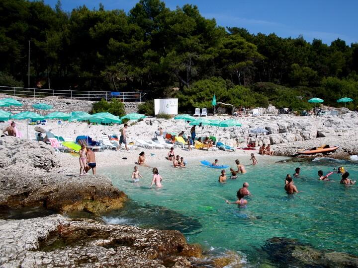 Spiagge a lussino croazia for Cabine dell isola di buggs