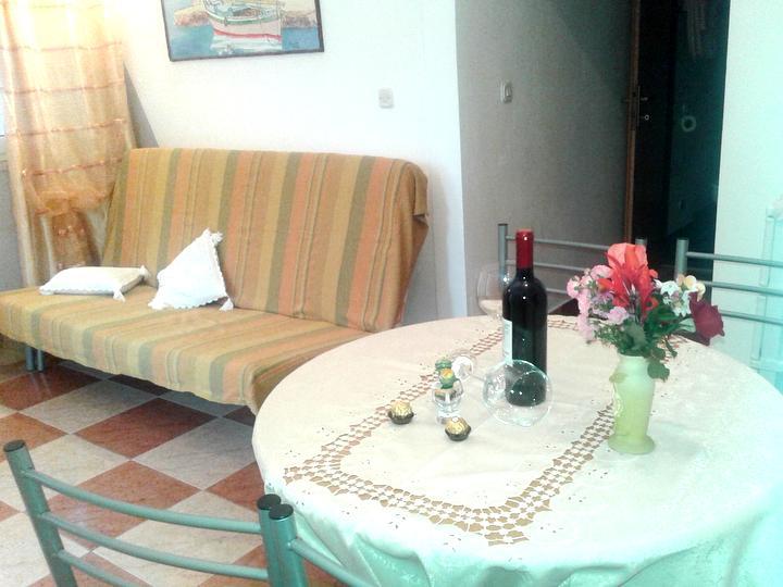 Appartamento con giardino a sisan croazia for Soggiorno in croazia